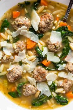 Easy Italian Wedding Soup - Spoonful of Flavor Crockpot Italian Wedding Soup, Italian Soup Recipes, Simple Sesame Noodles, Beef And Pork Meatballs, Low Sodium Chicken Broth, Homemade Soup, Cooking Recipes, Cooking Ideas, Stuffed Peppers