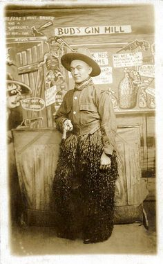 real Chinese cowboy - part of the true old wild west Cool Photos, Interesting Photos, Studio Portraits, Romance Novels, Wild West, Horses, History, Painting, Chinese