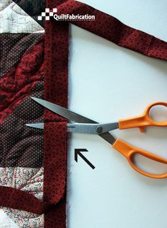 Sewing Techniques Quilting tutorials, patterns, and inspiration - tutorial on joining the ends of quilt binding Quilting Tips, Quilting Tutorials, Machine Quilting, Quilting Designs, Sewing Tutorials, Quilting Projects, Machine Binding A Quilt, Beginner Quilting, Sewing Patterns Free