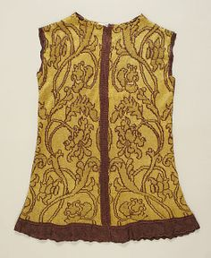 Jacket  Date: early 16th century; Culture: Italian; Medium: silk, metallic thread; Accession Number: 46.156.117