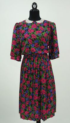 Vintage 1980s Peter Pan Collar Floral Dress by by CeeLostInTime