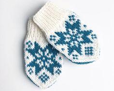 Ravelry: Sonja-votten pattern by Tonje Haugli Kids Knitting Patterns, Knitting For Kids, Norwegian Knitting, Baby Barn, Bindi, Knit Mittens, Baby Crafts, Baby Booties, Needlework