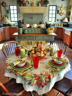 country kitchen. I really like this table cloth.