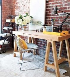 Easel-Inspired Desk