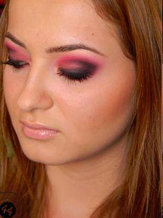 14 Pretty Pink Smokey Augen Make Up Aussieht – Make Up 2019 Smokey Eye Makeup Look, Black Eye Makeup, Green Smokey Eye, Smokey Eyes, Makeup Looks For Brown Eyes, Eye Makeup Steps, Nude Makeup, Hair Makeup, Prom Makeup