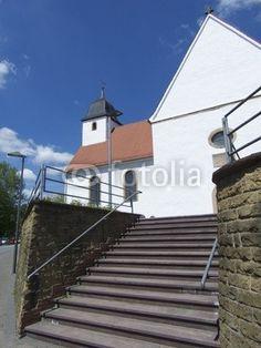 Treppenaufgang der Kirche St. Johannes Baptist in Stukenbrock in Schloß Holte-Stukenbrock im Kreis Gütersloh in Ostwestfalen