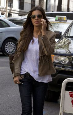 Celebrity Street Styles #Cheap #Ray #Bans, Big Discount Only $14.99, It Is So Cool, Ray Ban Sunglasses Outlet Is Your Best Choice As A Friend Gift. Looks Sara Carbonero, What To Wear Today, How To Wear, Smart Outfit, Effortless Chic, Her Style, Style Icons, Badass, Autumn Fashion