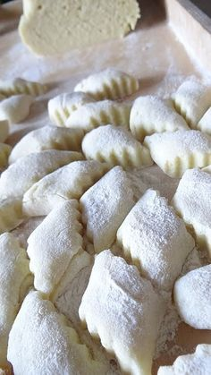 Kopytka idealnie miękkie i zwięzłe Kitchen Recipes, Cooking Recipes, Good Food, Yummy Food, Polish Recipes, Food Inspiration, Food To Make, Food Porn, Food And Drink