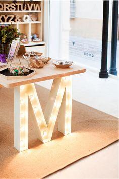 Una M como pata de una mesa es algo real