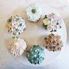 #buttercream #buttercreamflowercake #nanacake #nanaclass #flowercake #cupcake #cakes #나나케이크 #컵케이크