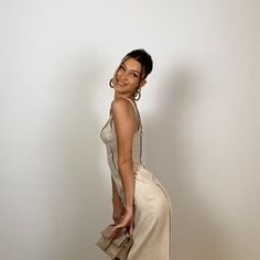 Bella Hadid Outfits, Bella Hadid Style, Isabella Hadid, Celebrity Look, Red Carpet Dresses, Girl Crushes, Supermodels, Role Models, Instagram