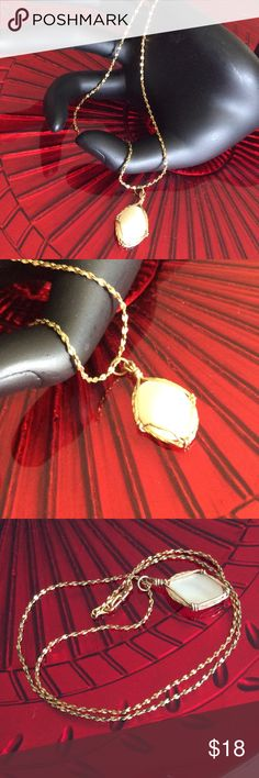 BEUTIFULL Necklace handmade shell pendant Preowned in very good condition, gold plated Jewelry Necklaces