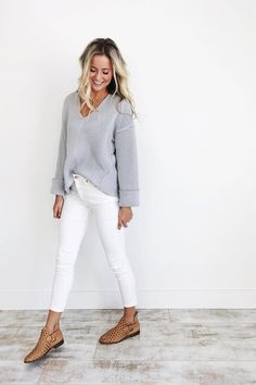 How to wear white jeans in the fall and winter - Mode für Frauen - Best Outfits Style Looks Com Jeans Skinny, Jeans Skinny Branco, White Skinny Jeans, White Skinnies, White Slacks, White Denim Jeans, Distressed Denim, Mode Outfits, Casual Outfits