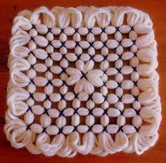 The Butterfly Loom Loom Knitting Patterns, Weaving Patterns, Loom Blanket, Loom Flowers, Loom Board, Loom Craft, Yarn Inspiration, Rainbow Loom, Yarn Projects