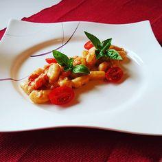 Gnocchi mit Tomaten und Mozzarella, ein gutes Rezept aus der Kategorie Gemüse. Bewertungen: 395. Durchschnitt: Ø 4,5.