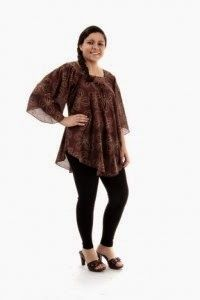 Free pattern: blouse bodice, especially large sizes tunic with bell sleeves and pointed hem
