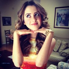 Video: Laura Marano Talked With About Her Christmas Song With Ross Lynch Disney Channel, Laura Marano, Vanessa Marano, Flawless Beauty, Crop Top Bikini, Cute Girl Pic, Ross Lynch, Bad Hair Day, Dancing With The Stars