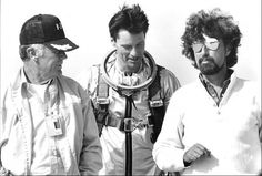 Sam Shepard, Chuck Yeager e Philip Kaufman The Right Stuff Sam Shepard, Pamela Reed, Veronica Cartwright, Fred Ward, Lance Henriksen, Tom Wolfe, Movie Screenshots, The Right Stuff, People Of Interest