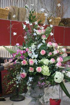 how to make a large scale urn arrangement flowers floral design huge class tutorial diy altar escort card table orchids dendrobium hydrangea esperance calla
