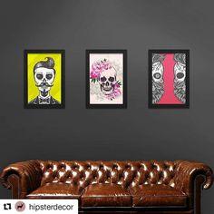 zpr #Repost @hipsterdecor with @repostapp ・・・ ⚡Dica: Coloque mais cores nas suas paredes. Seja ela preta ou não 💡 Veja o link na bio 📌 . Olha que lindos esses quadros de caveiras da @lojaquadrinhos😍😍😍. . Ps. Eu já pedi o meu 😎😉 Genteeeee. Pega nossos quadrinhos na no IG da @hipsterdecor. Muito amor pela nossa criação. ❤❤❤❤