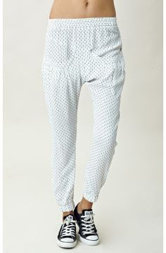 white pants with a tiny print , these look so comfy !