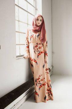 Annah Hariri Autumn Cherry Dress - NISMAshop.de Islamic wear online, maxi dress, long sleeve