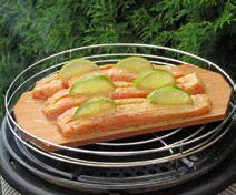 Barbecue Lachs in Honig-Senf-Dill-Sauce - COBB Grill Scandinavia