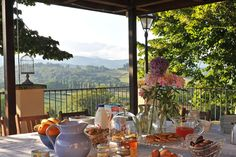 Rent a luxury villa in Tuscany and explore one of the most breath-taking places in the world. Enjoy your stay in a villa with a swimming pool & stunning views. Villa Pool, Villas In Italy, Luxury Holidays, Balcony Garden, Private Pool, Stunning View, Luxury Villa, Modern Bathroom, Beautiful Gardens