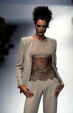 Valentino Spring/Summer 1997 (Ready To Wear)