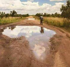 Pothole in Kabale, Uganda. Africa Map, Out Of Africa, Africa Travel, South Africa, Kenya Africa, African Safari, African Art, African Women, Diani Beach