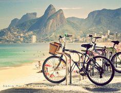 Biking in Rio. Heaven.