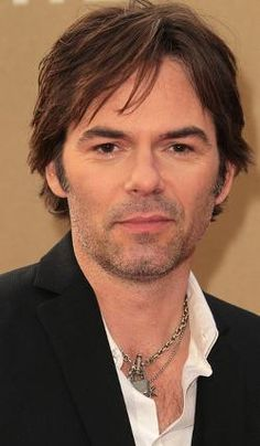 Billy Burke, plays FBI agent Gaberial on Rizzoli and Isles.