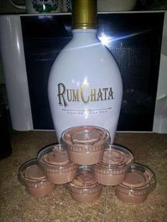Rum Chata Pudding Shots - 1 4 oz pkg instant chocolate jello pudding 1 cup milk 1 cup Rum Chata 1 8 oz container cool whip Mix milk, pudding and Rum Chata till thickened, gently mix in cool whip with spatula, pour into plastic jello shot Party Drinks, Cocktail Drinks, Fun Drinks, Alcoholic Drinks, Shots Drinks, Alcoholic Cupcakes, Cocktail Ideas, Easy Cocktails, Fun Shots