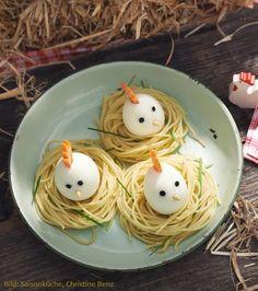 Eier-Hühner im Näschtli