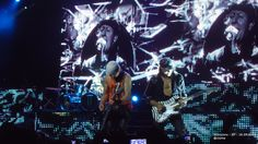 Scorpions - SP - 18.09.2010 - Blackout: Schenker com a cabeça enfaixada e com óculos de garfo (a foto ficou devendo...)