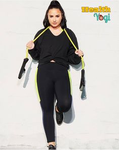 Demi Lovato Flaunts Her Figure in Fabletics Sportswear Collection. Demi Lovato launched her new Fabletics collection on Thursday check the images here. Hollywood Model, Hollywood Cinema, Hollywood Actor, Hollywood Actresses, Demi Lovato Workout, Demi Lovato Body, Famous Celebrities, Celebs, Demi Lovato Albums