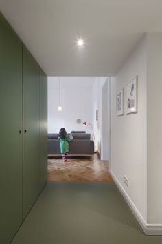 The Green Miracle is a Berlin flat featuring colour-block cabinets and an indoor swing Flat Interior, Apartment Interior, Danish Apartment, Modern Rustic Homes, Elegant Homes, Home Decor Uk, Cheap Home Decor, Colour Blocking Interior, Indoor Swing
