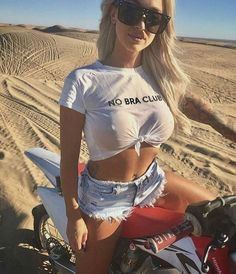 Related posts:beautiful girl with motowhite bike and a beautiful riderthe girl near the bike