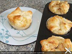 Fruchtige Apfelwolken aus Blätterteig in der Muffinform