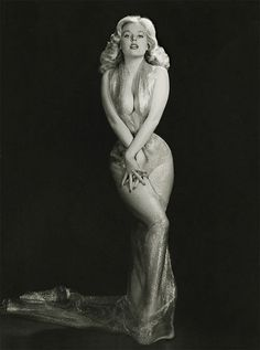 1950s Pin-up Queen, Betty Bromser- Look at those curves!