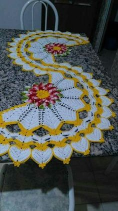 Best 12 Crochet Freetress - How to Crochet For Beginners Crochet Table Runner Pattern, Crochet Flower Patterns, Crochet Motif, Crochet Doilies, Crochet Flowers, Crochet Stitches, Crochet Freetress, Filet Crochet Charts, Crochet Symbols