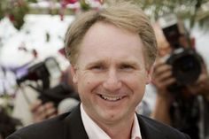 I find the most interesting villains [are] those who do the right things for the wrong reasons, or the wrong things for the right reasons — either one is interesting. I love the gray area between right and wrong.  Dan Brown