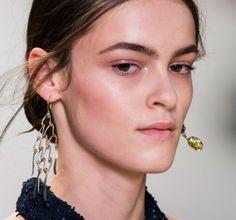 Mismatched earrings: La entretenida tendencia que promete tomarse el 2015