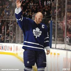 #Hockey #Maple_Leafs @n17dg Toronto Maple Leafs, Hockey, Blue And White, Baseball Cards, Sports, Board, Hs Sports, Sport, Sign