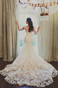 Gorgeous!! Love the lace!