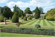 Castle Ashby Italian gardens 40 mins Gardens and giftshop April to September – October to March – Walled garden tea room April to September – Yew Shrub, Italian Garden, Grand Homes, Formal Gardens, Places Of Interest, Days Out, Staycation, Day Trips, Shrubs
