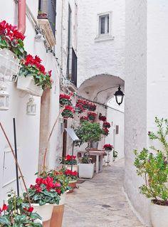 Restaurant U'Curdunn ligt verstopt in een van de kleine steegjes in Locorotondo