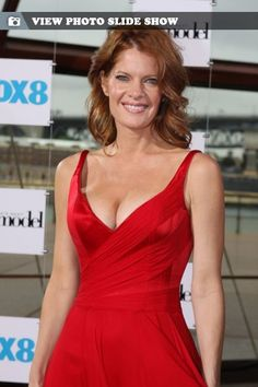 And why Michelle Stafford net worth is so massive? Michelle Stafford net worth is definitely at the very top level among other celebrities, yet why? Michelle Stafford, Young And The Restless, Net Worth, Gorgeous Women, Formal Dresses, Celebrities, Model, Beauty, Fashion