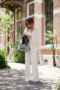 Woman In White - Fash n Chips - The Vogue Blog Network - Blog - VOGUE Nederland