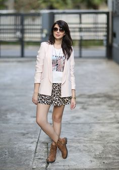 Look do dia: Blazer com coturno